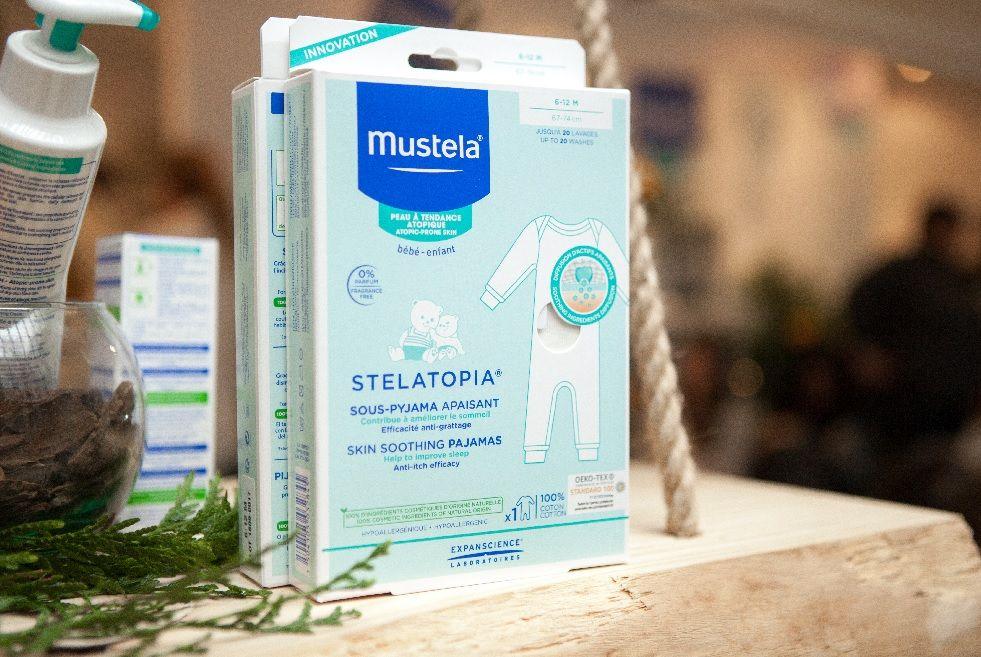Mustela presenta el primer pijama de alivio para bebés con la piel atópica