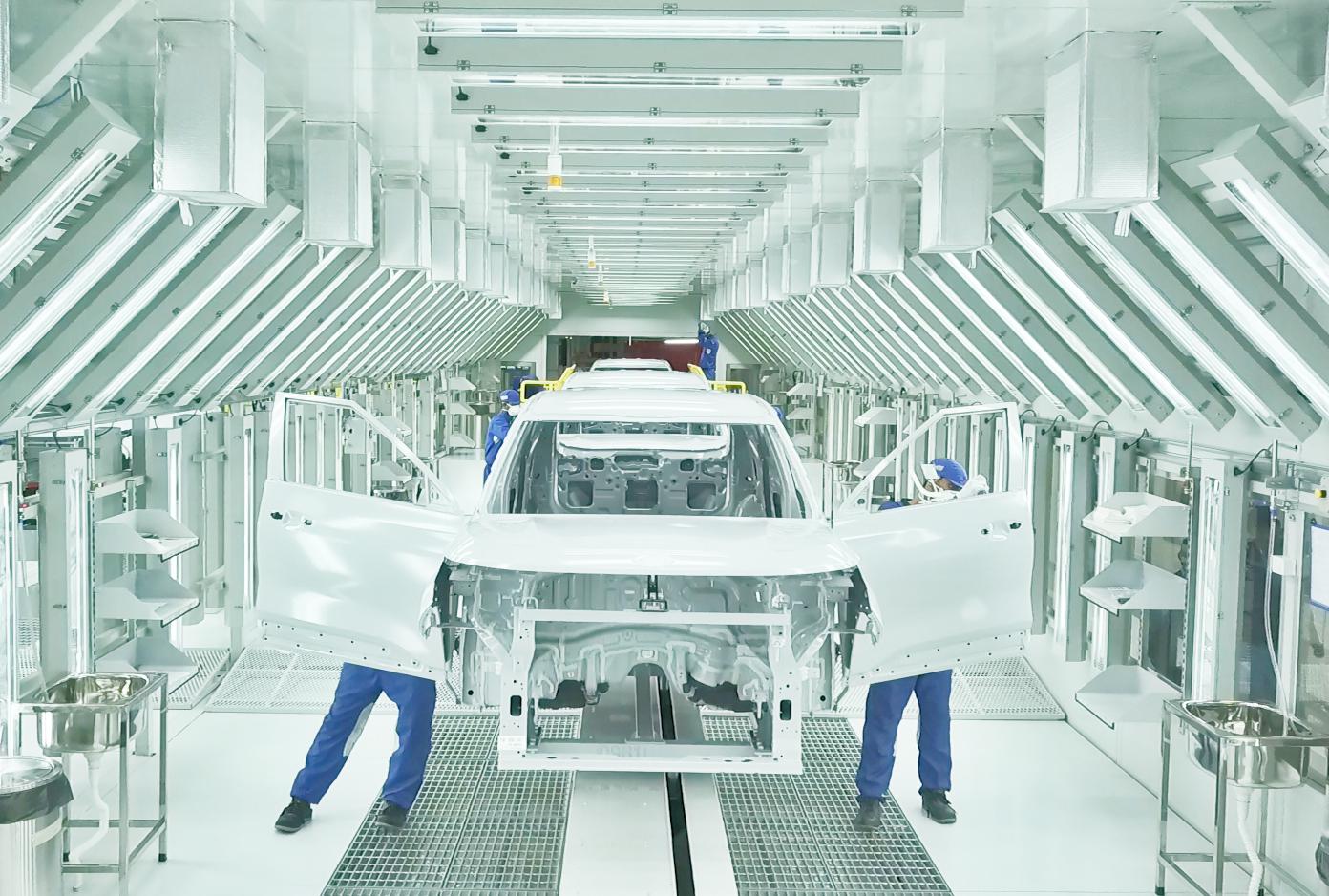 KIA estrena nueva fábrica en India
