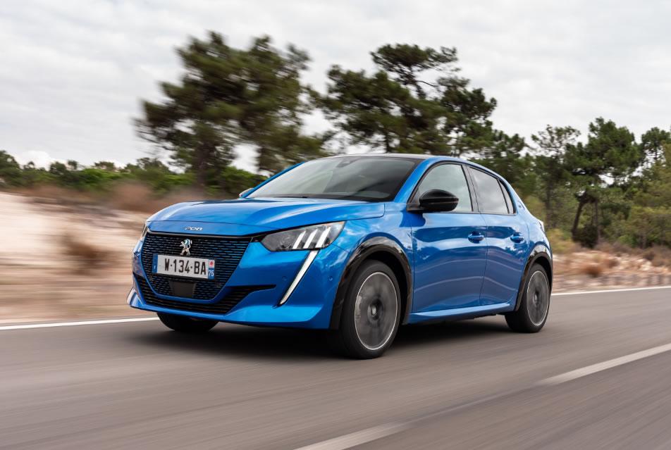 Peugeot ya ve rodar en las calles su superventas, el renovado 208 desde 13.200 euros.